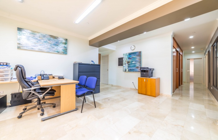 Palm Beach, 5 Rooms Rooms,2 BathroomsBathrooms,Commercial,For Sale,Palm Beach,1277