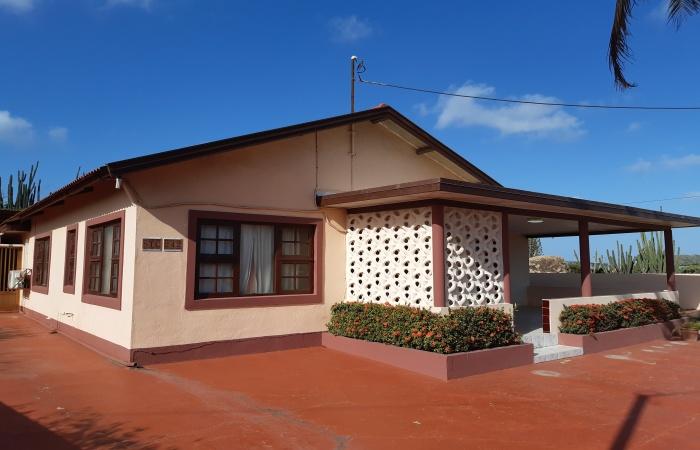 Sta Cruz 242, 3 Bedrooms Bedrooms, ,1.5 BathroomsBathrooms,House,For Sale,Sta Cruz,1334